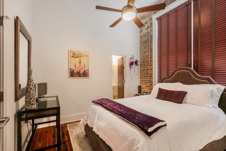 Lower Garden District, Condo, 2 beds, 2.0 baths, $2500 per month New Orleans Rental - devie image_9
