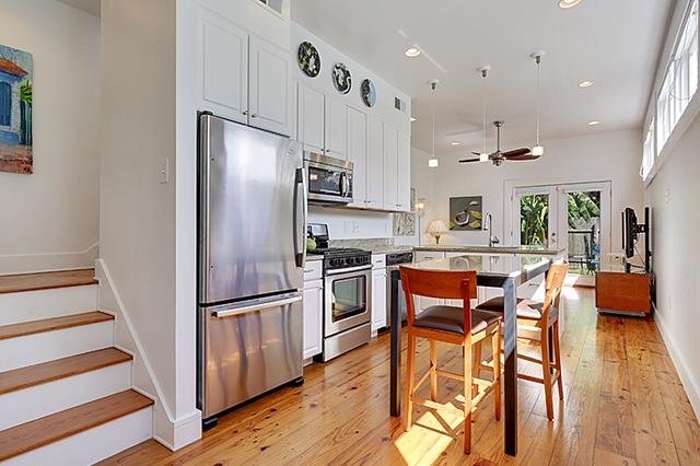 Irish Channel, House, 2 beds, 2.0 baths, $2800 per month New Orleans Rental - devie image_0
