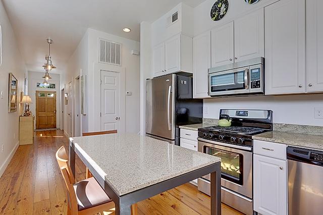 Irish Channel, House, 2 beds, 2.0 baths, $2800 per month New Orleans Rental - devie image_1