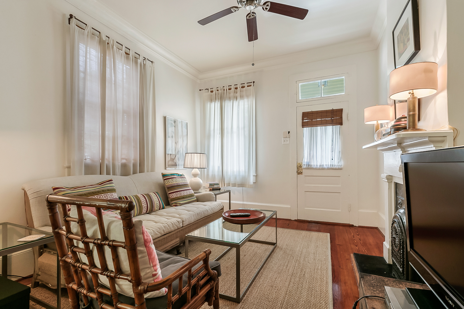 Uptown, House, 2 beds, 1.5 baths, $3000 per month New Orleans Rental - devie image_1