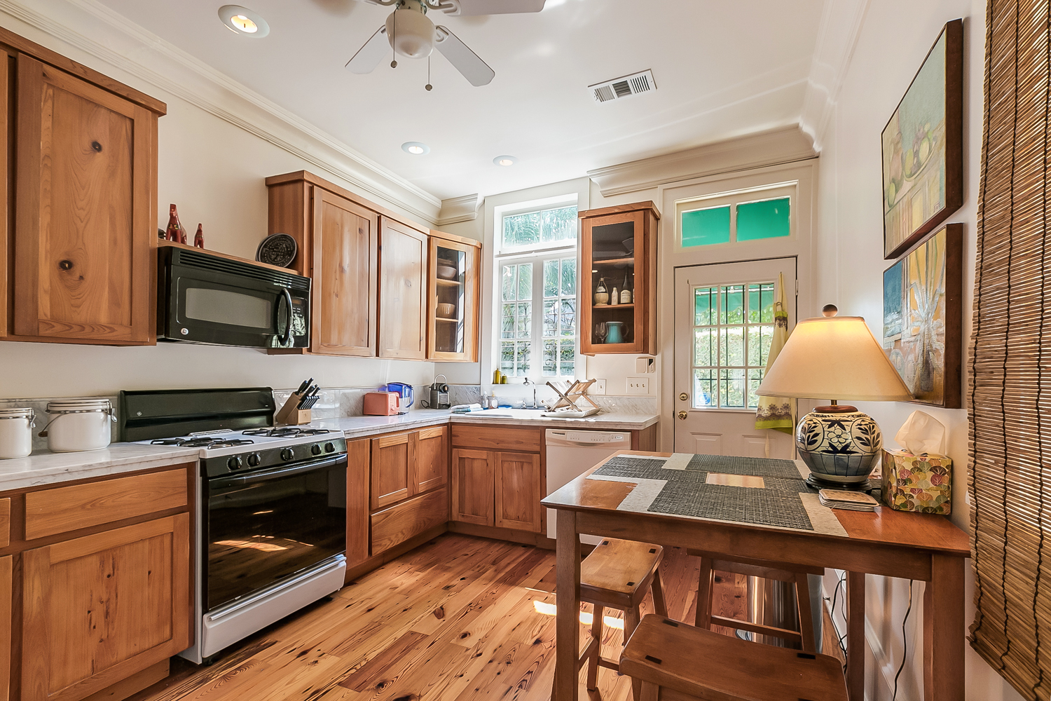 Uptown, House, 2 beds, 1.5 baths, $3000 per month New Orleans Rental - devie image_6