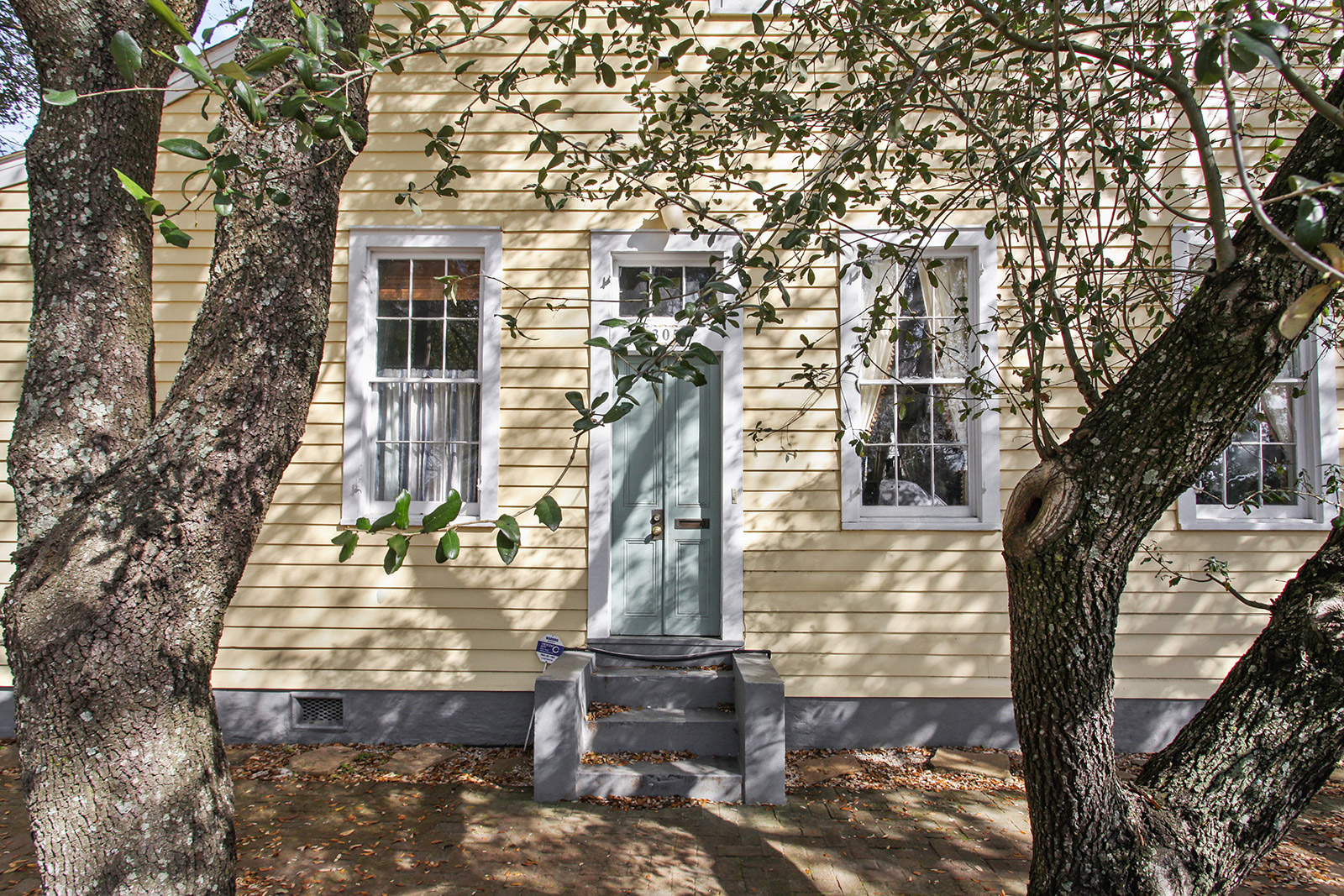 Uptown, House, 2 beds, 2.0 baths, $2200 per month New Orleans Rental - devie image_0