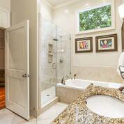 Uptown, Apartment, 2 beds, 2.0 baths, $3750 per month New Orleans Rental - devie image_15