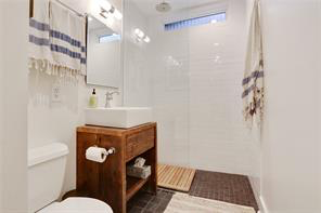 Uptown, House, 3 beds, 3.0 baths, $6800 per month New Orleans Rental - devie image_16