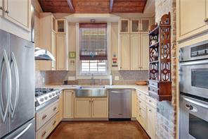 Uptown, House, 3 beds, 2.5 baths, $5000 per month New Orleans Rental - devie image_1