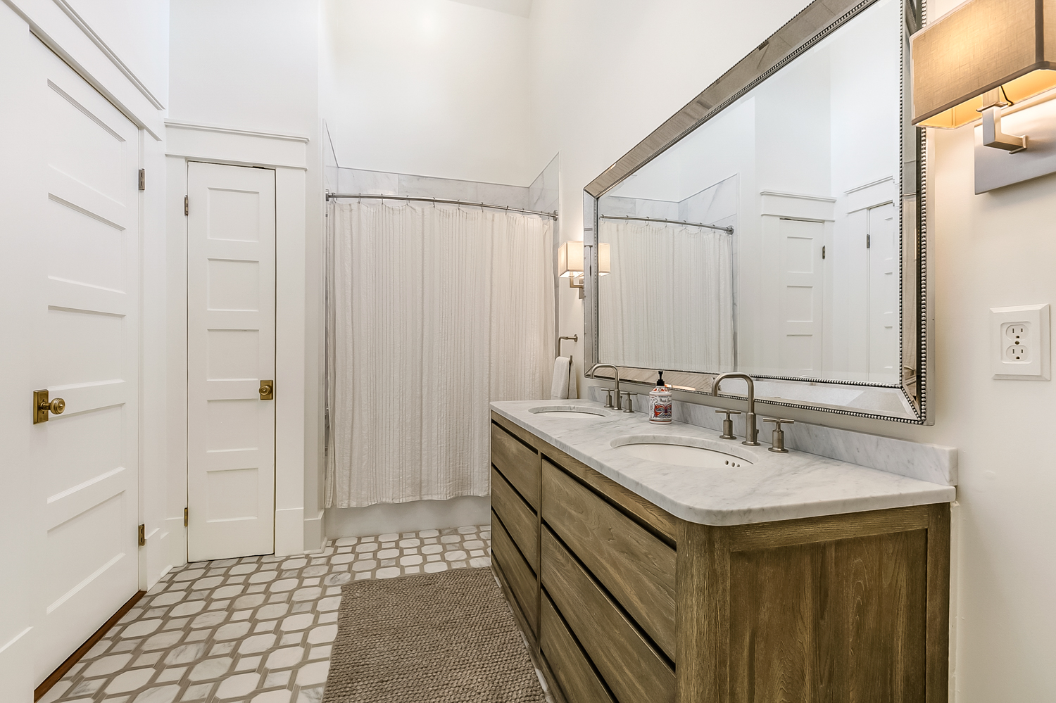 Uptown, House, 5 beds, 4.5 baths, $18000 per month New Orleans Rental - devie image_17