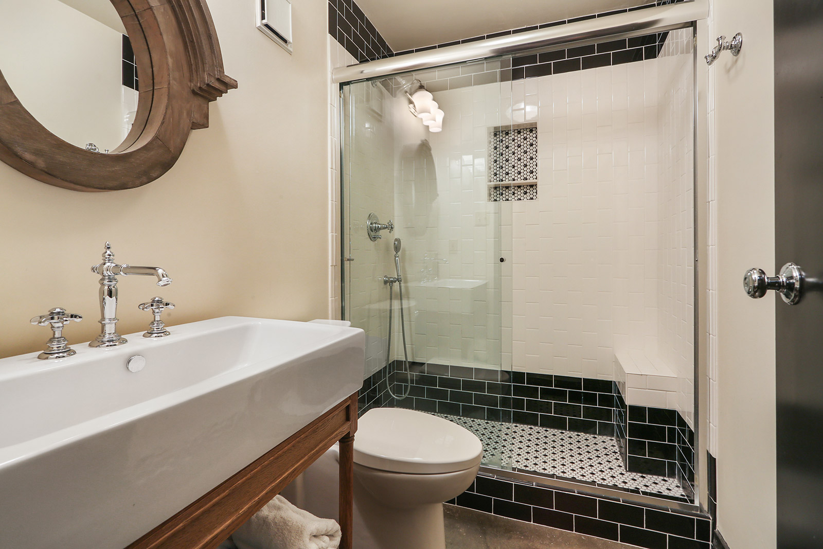 CBD/Warehouse District/South Market, Condo, 1 beds, 1.0 baths, $2400 per month New Orleans Rental - devie image_5