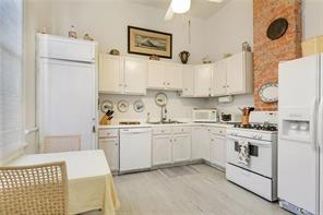 Uptown, House, 2 beds, 1.0 baths, $2800 per month New Orleans Rental - devie image_6