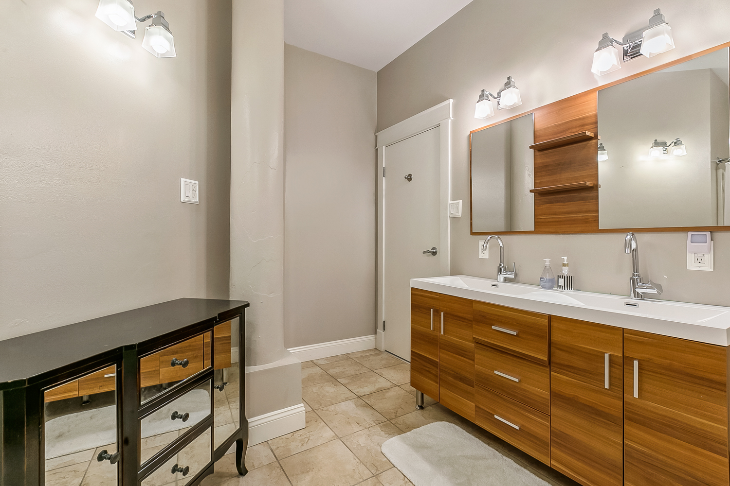 CBD/Warehouse District/South Market, Condo, 3 beds, 2.0 baths, $5000 per month New Orleans Rental - devie image_7