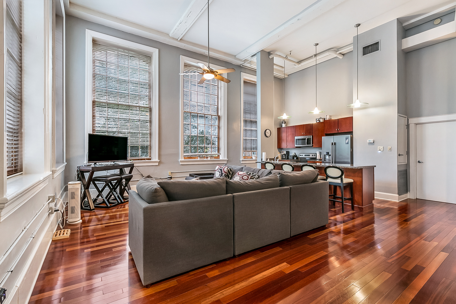 CBD/Warehouse District/South Market, Condo, 3 beds, 2.0 baths, $5000 per month New Orleans Rental - devie image_1