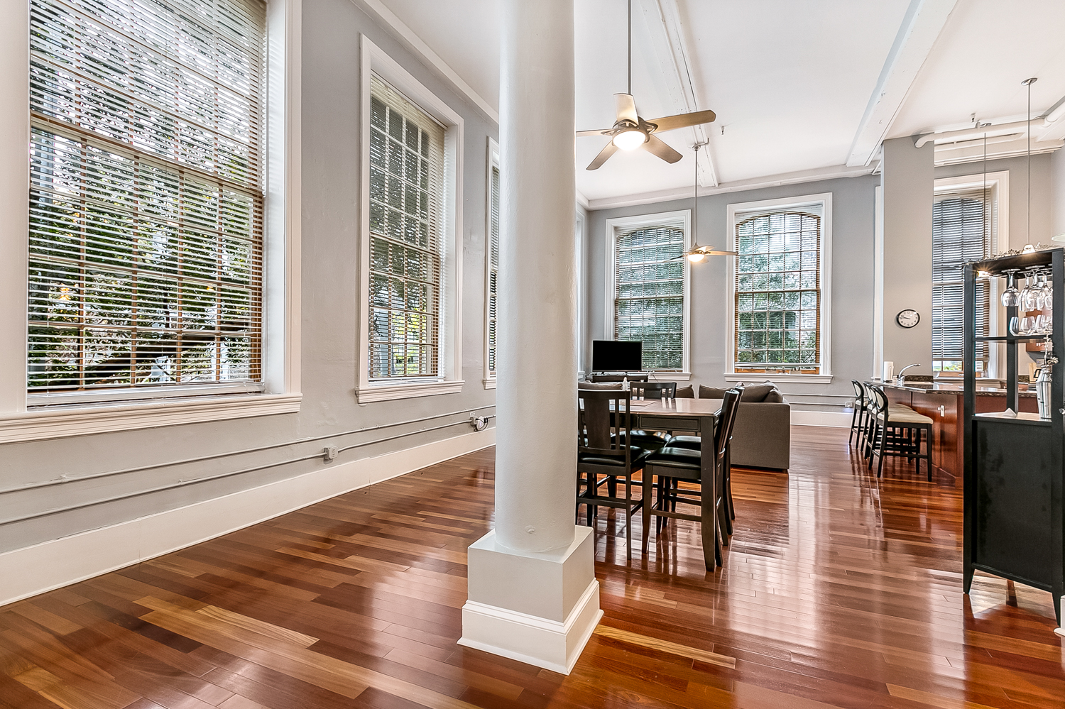 CBD/Warehouse District/South Market, Condo, 3 beds, 2.0 baths, $5000 per month New Orleans Rental - devie image_2