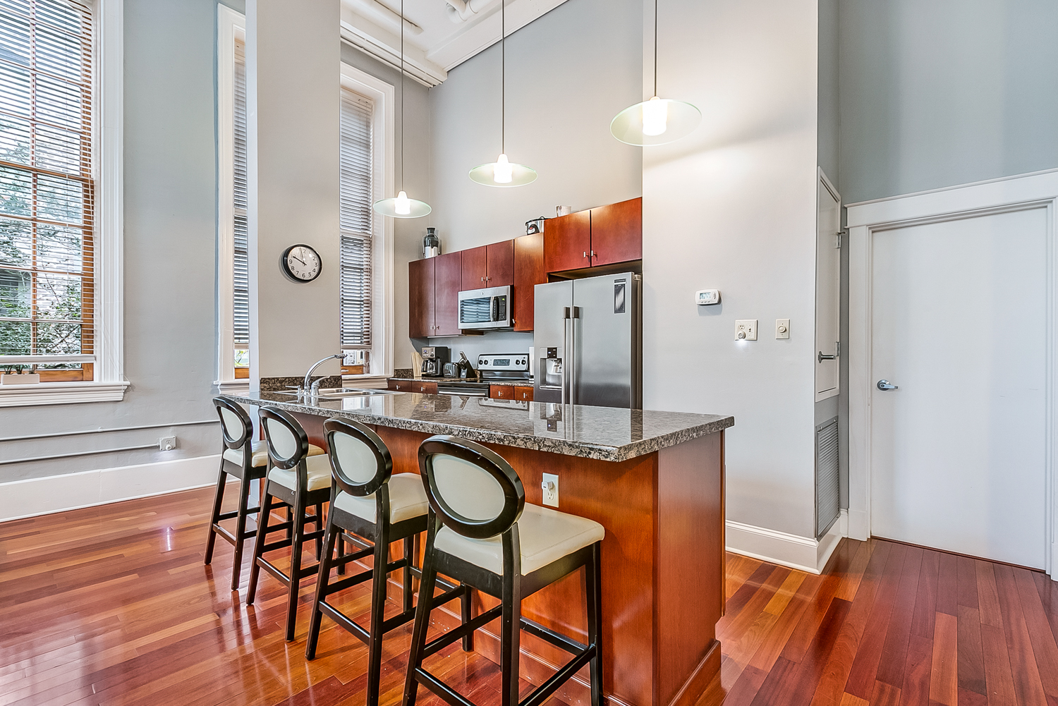 CBD/Warehouse District/South Market, Condo, 3 beds, 2.0 baths, $5000 per month New Orleans Rental - devie image_3