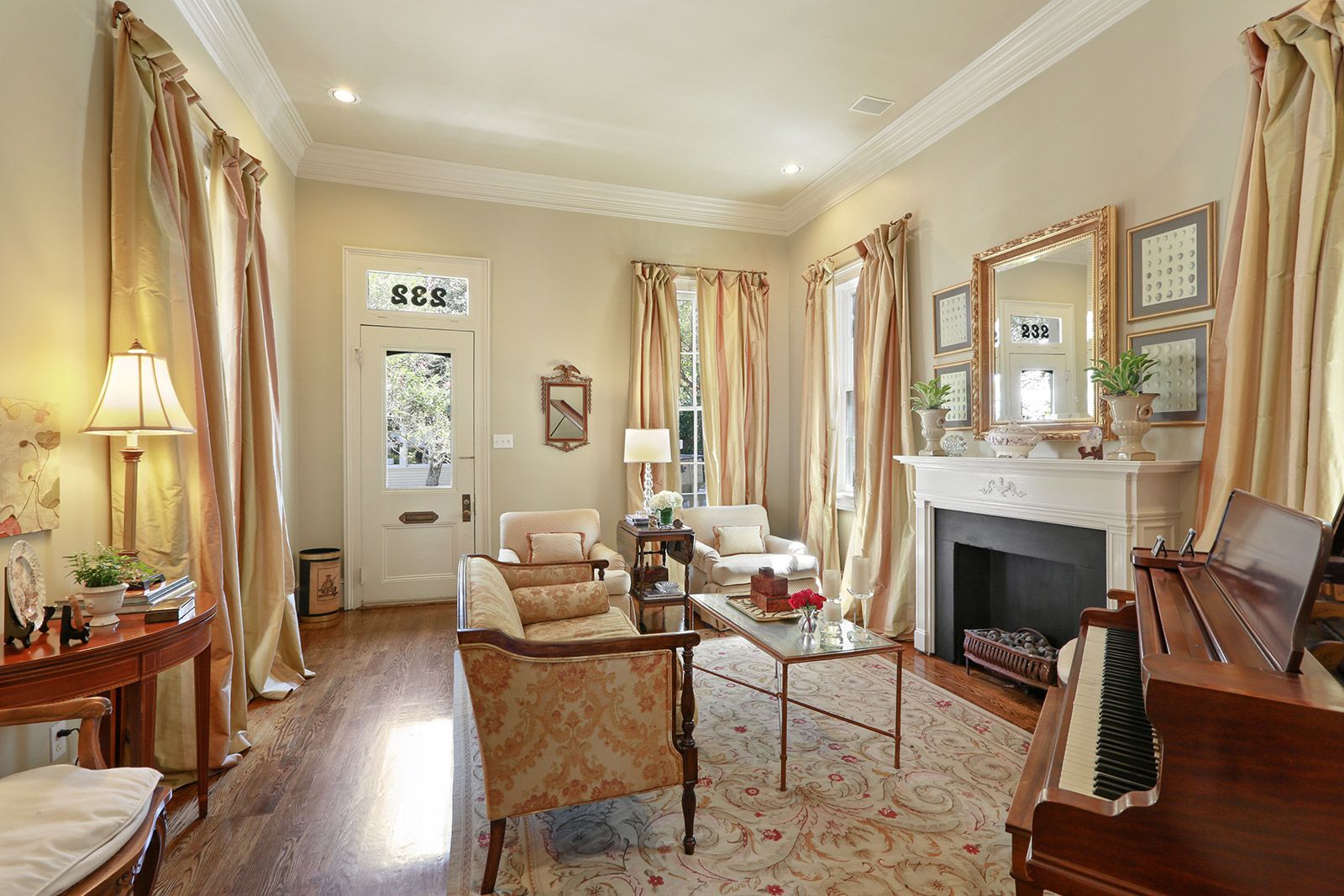 Uptown, House, 3 beds, 2.5 baths, $10500 per month New Orleans Rental - devie image_1