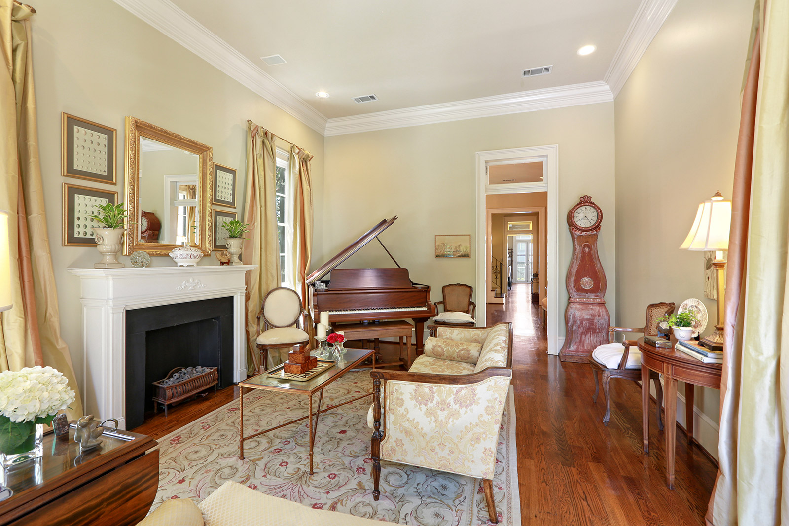 Uptown, House, 3 beds, 2.5 baths, $10500 per month New Orleans Rental - devie image_2