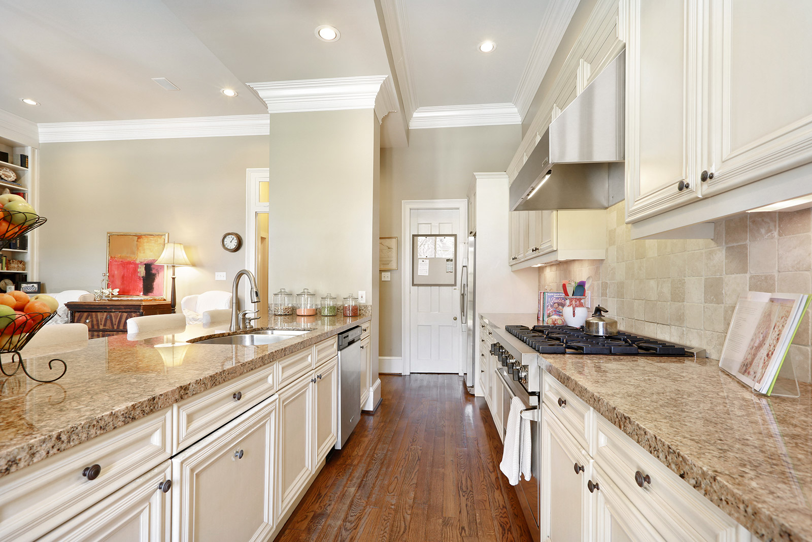 Uptown, House, 3 beds, 2.5 baths, $10500 per month New Orleans Rental - devie image_8