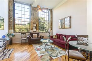 CBD/Warehouse District/South Market, Condo, 1 beds, 1.0 baths, $2300 per month New Orleans Rental - devie image_1