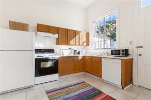 Uptown, Apartment, 1 beds, 1.0 baths, $2250 per month New Orleans Rental - devie image_1