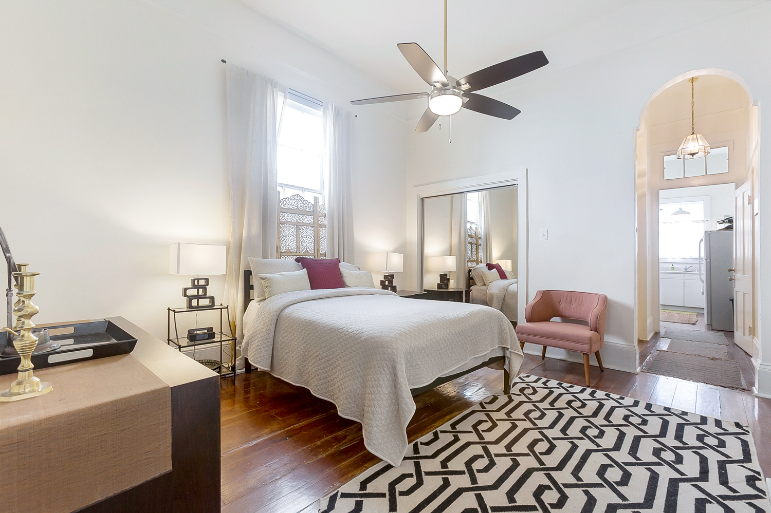 Uptown, Apartment, 1 beds, 1.0 baths, $2500 per month New Orleans Rental - devie image_0