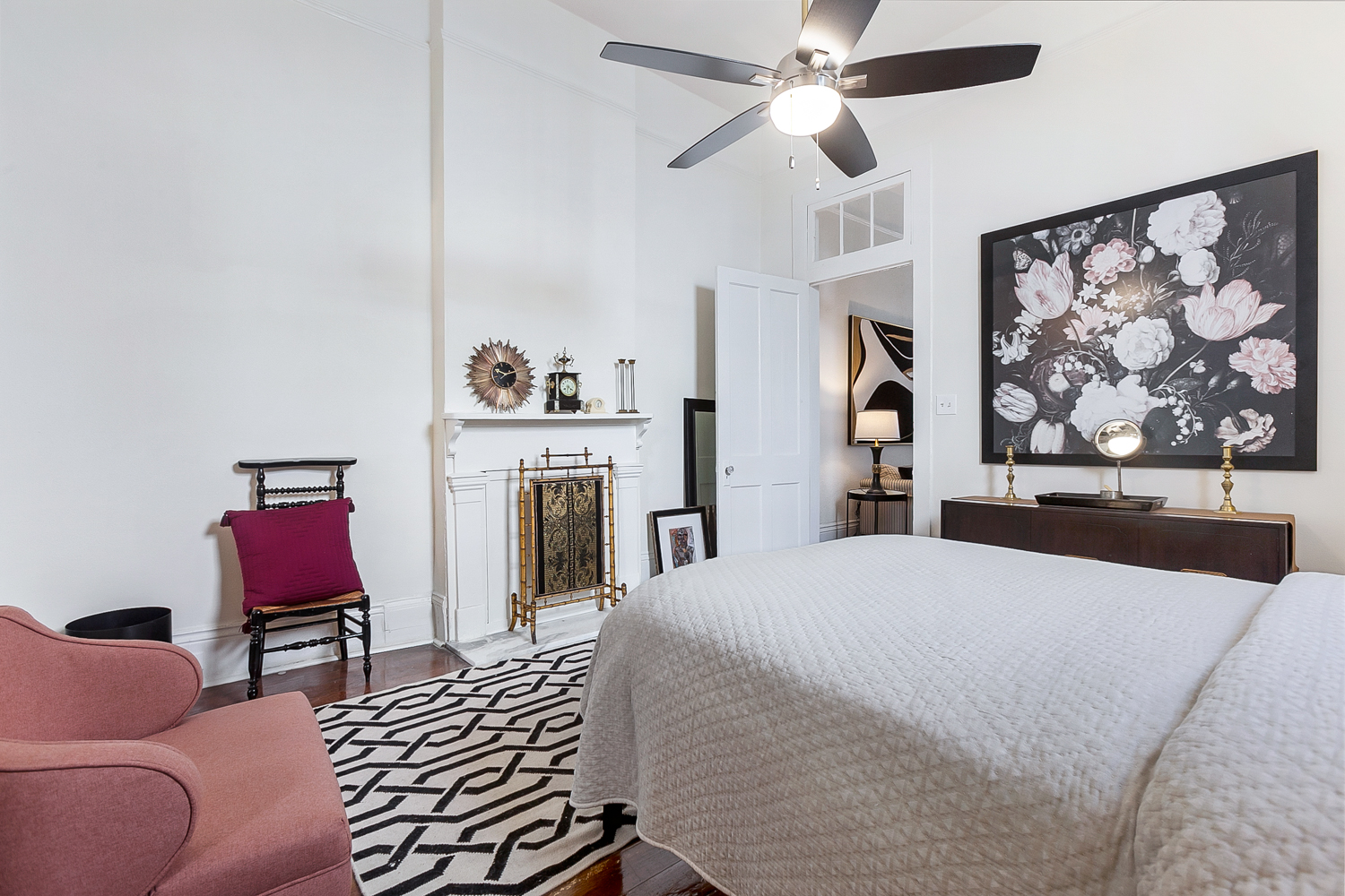 Uptown, Apartment, 1 beds, 1.0 baths, $2500 per month New Orleans Rental - devie image_1