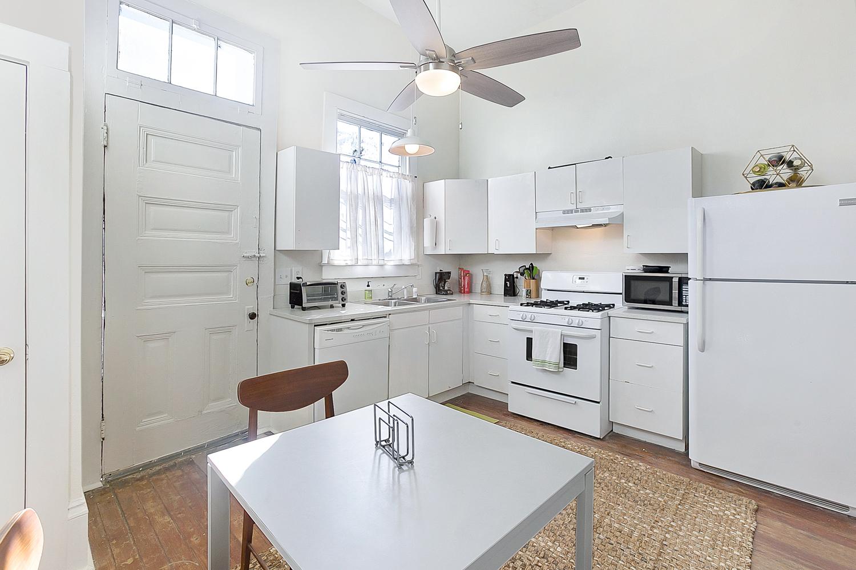 Uptown, Apartment, 1 beds, 1.0 baths, $2500 per month New Orleans Rental - devie image_3