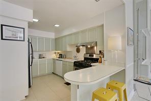 Garden District, Apartment, 2 beds, 2.0 baths, $3800 per month New Orleans Rental - devie image_3