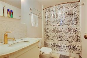 Garden District, Apartment, 2 beds, 2.0 baths, $3800 per month New Orleans Rental - devie image_7