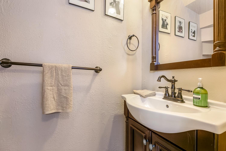 Garden District, Condo, 2 beds, 1.5 baths, $2300 per month New Orleans Rental - devie image_11