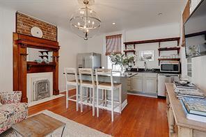 Uptown, Apartment, 2 beds, 1.0 baths, $3250 per month New Orleans Rental - devie image_0