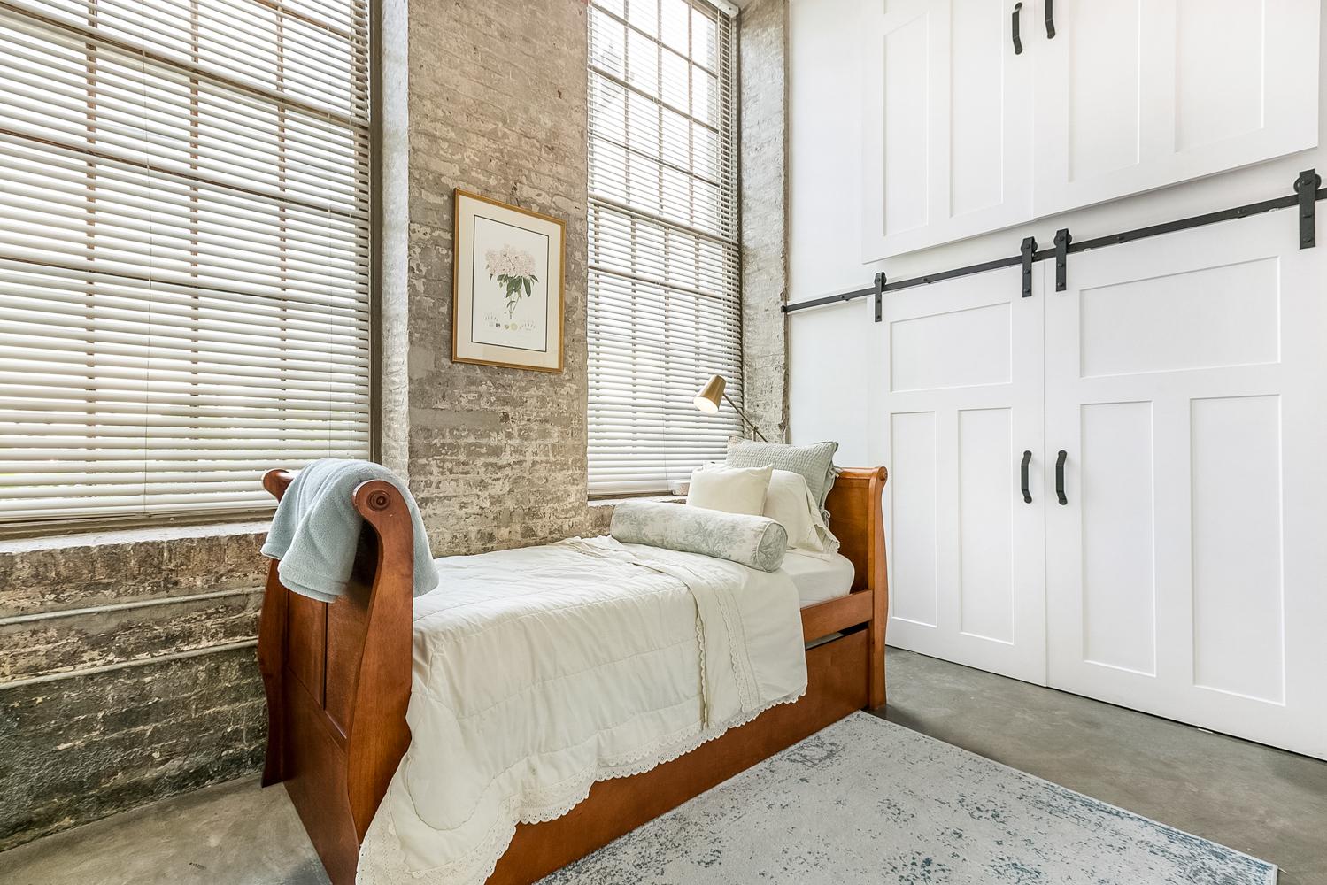 CBD/Warehouse District/South Market, Condo, 2 beds, 2.0 baths, $3600 per month New Orleans Rental - devie image_8