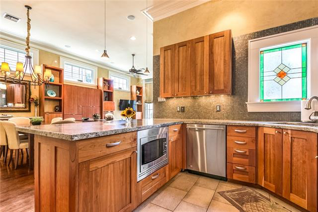 Uptown, Apartment, 2 beds, 2.0 baths, $3900 per month New Orleans Rental - devie image_6