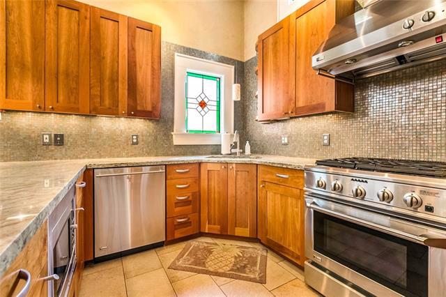 Uptown, Apartment, 2 beds, 2.0 baths, $3900 per month New Orleans Rental - devie image_7