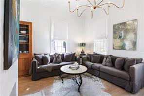 Uptown, House, 2 beds, 2.0 baths, $5500 per month New Orleans Rental - devie image_2