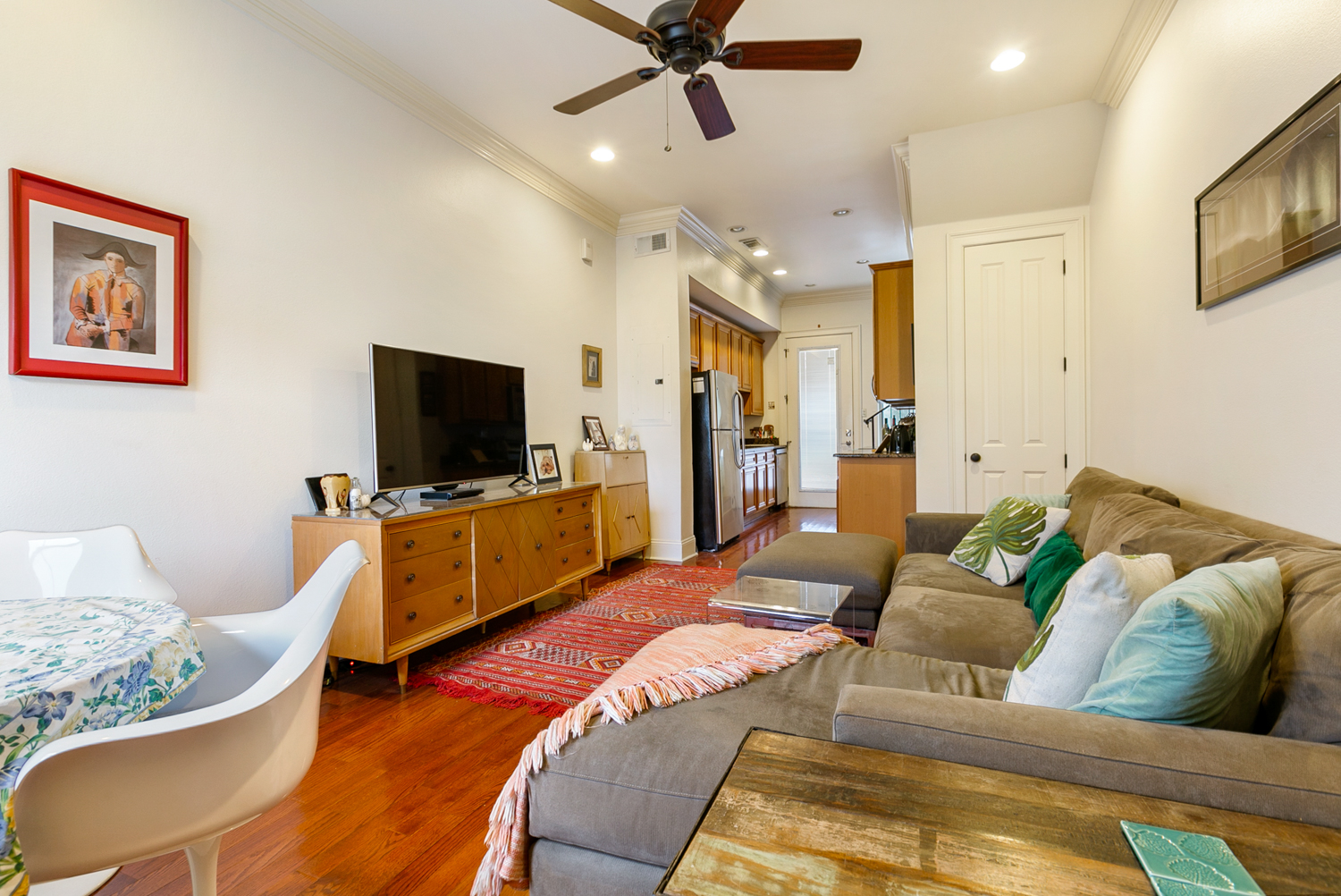 Uptown, Condo, 2 beds, 1.5 baths, $2500 per month New Orleans Rental - devie image_1