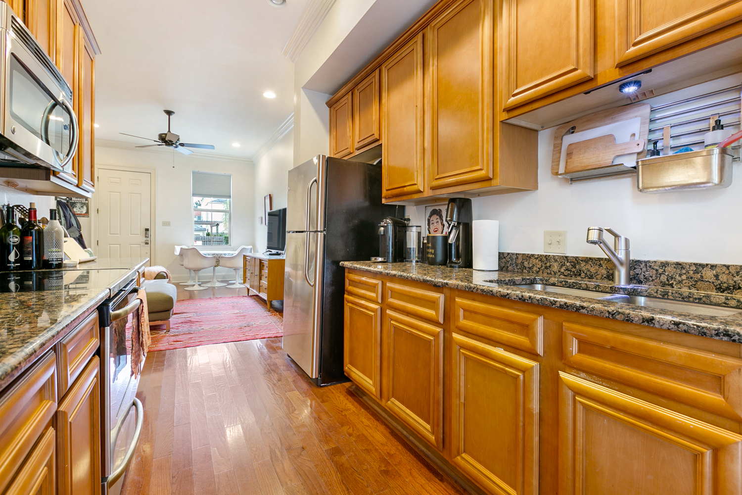 Uptown, Condo, 2 beds, 1.5 baths, $2500 per month New Orleans Rental - devie image_3