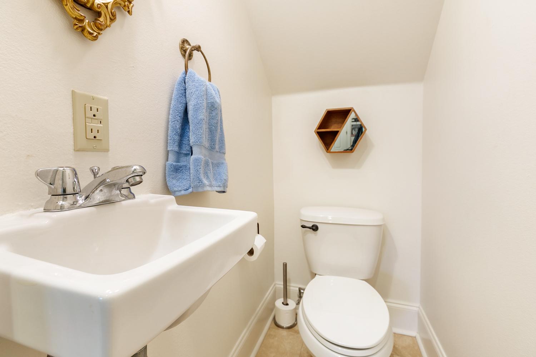 Uptown, Condo, 2 beds, 1.5 baths, $2500 per month New Orleans Rental - devie image_4