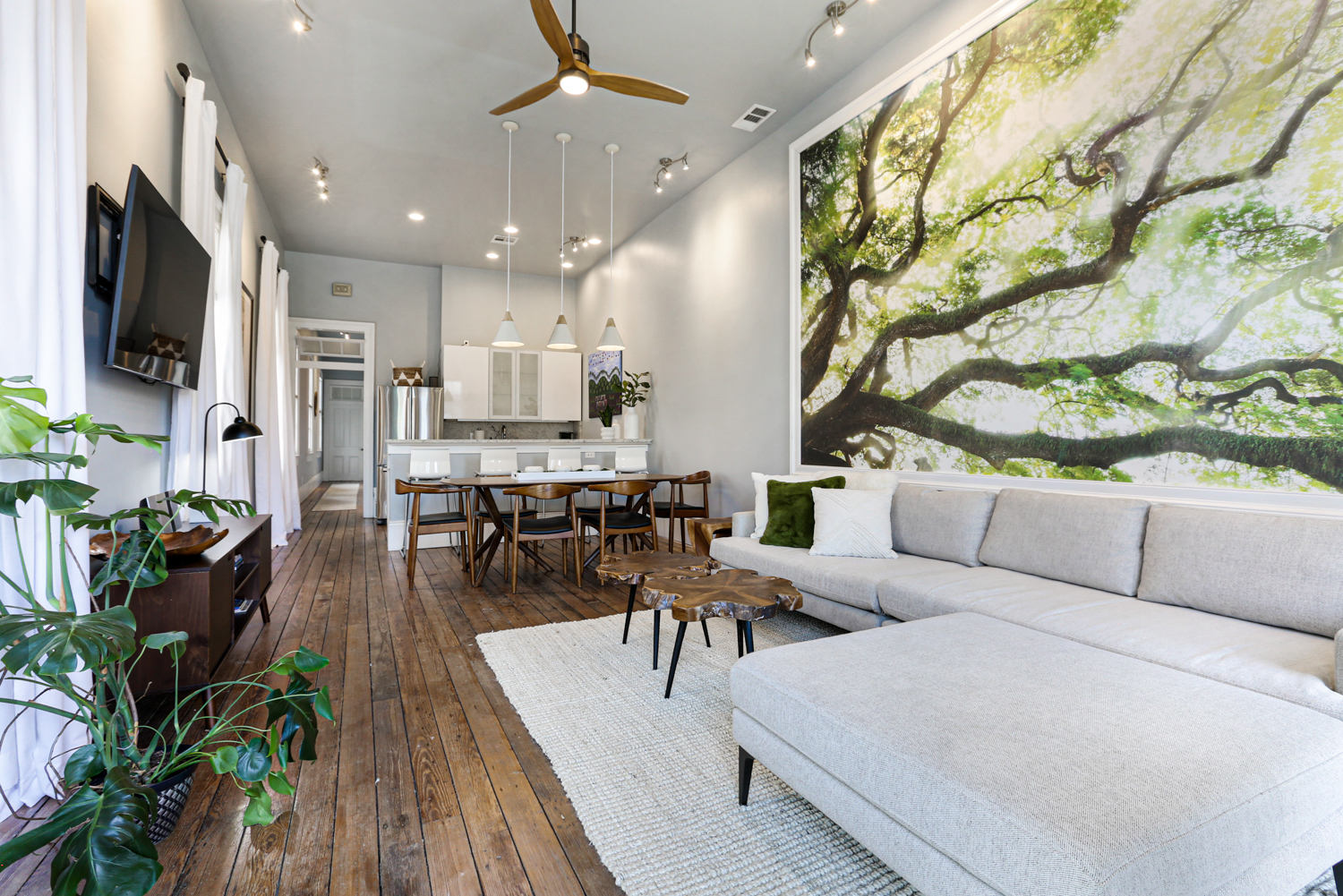 Uptown, Apartment, 2 beds, 2.0 baths, $4000 per month New Orleans Rental - devie image_0