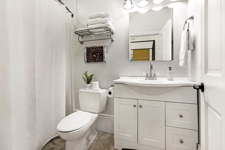 Uptown, Apartment, 2 beds, 2.0 baths, $4000 per month New Orleans Rental - devie image_11