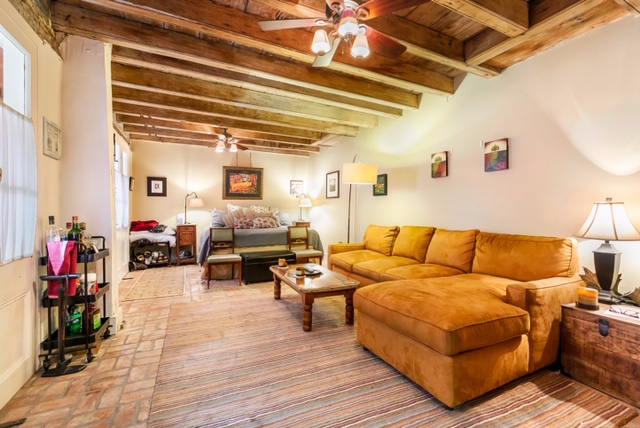 French Quarter, Condo, 1 beds, 1.0 baths, $1500 per month New Orleans Rental - devie image_0