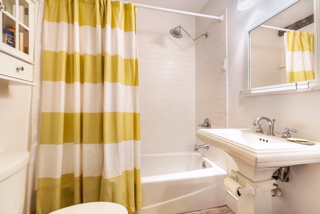 French Quarter, Condo, 1 beds, 1.0 baths, $1500 per month New Orleans Rental - devie image_3