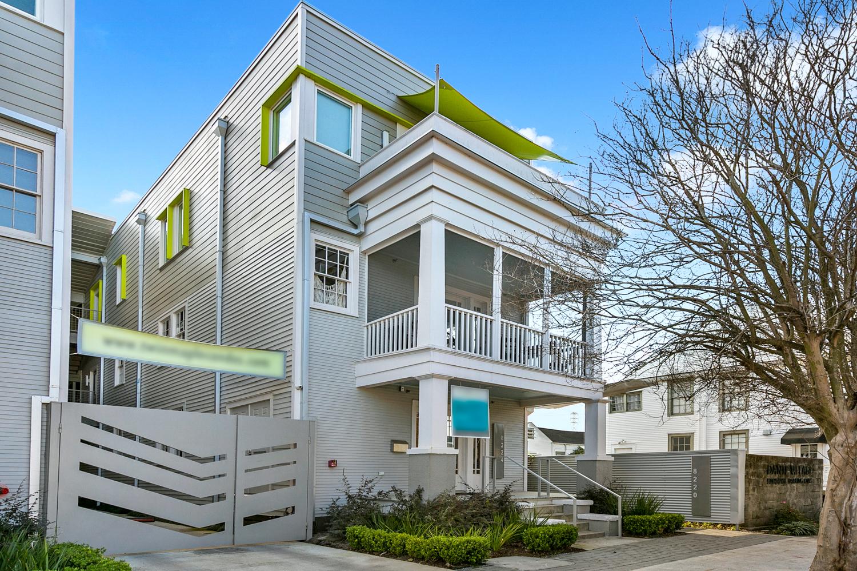 Uptown, Condo, 2 beds, 2.5 baths, $4000 per month New Orleans Rental - devie image_17