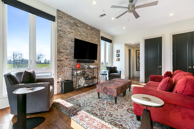 Uptown, Condo, 2 beds, 2.5 baths, $4000 per month New Orleans Rental - devie image_3