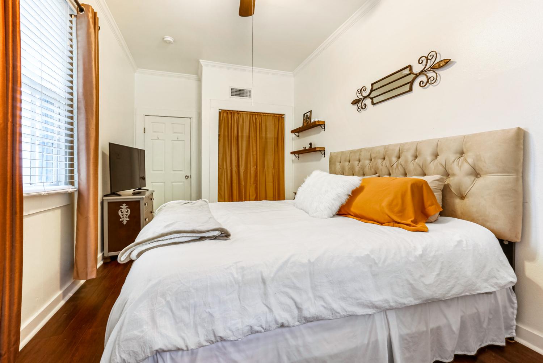 Lower Garden District, Condo, 2 beds, 1.0 baths, $2500 per month New Orleans Rental - devie image_11