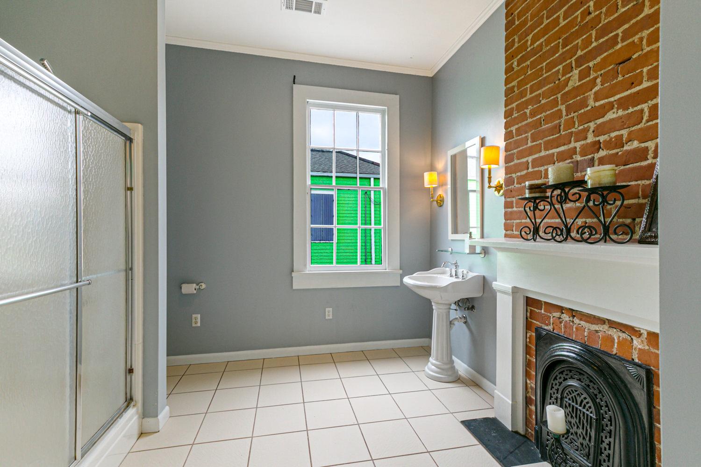 Irish Channel, Apartment, 2 beds, 2.5 baths, $3500 per month New Orleans Rental - devie image_14