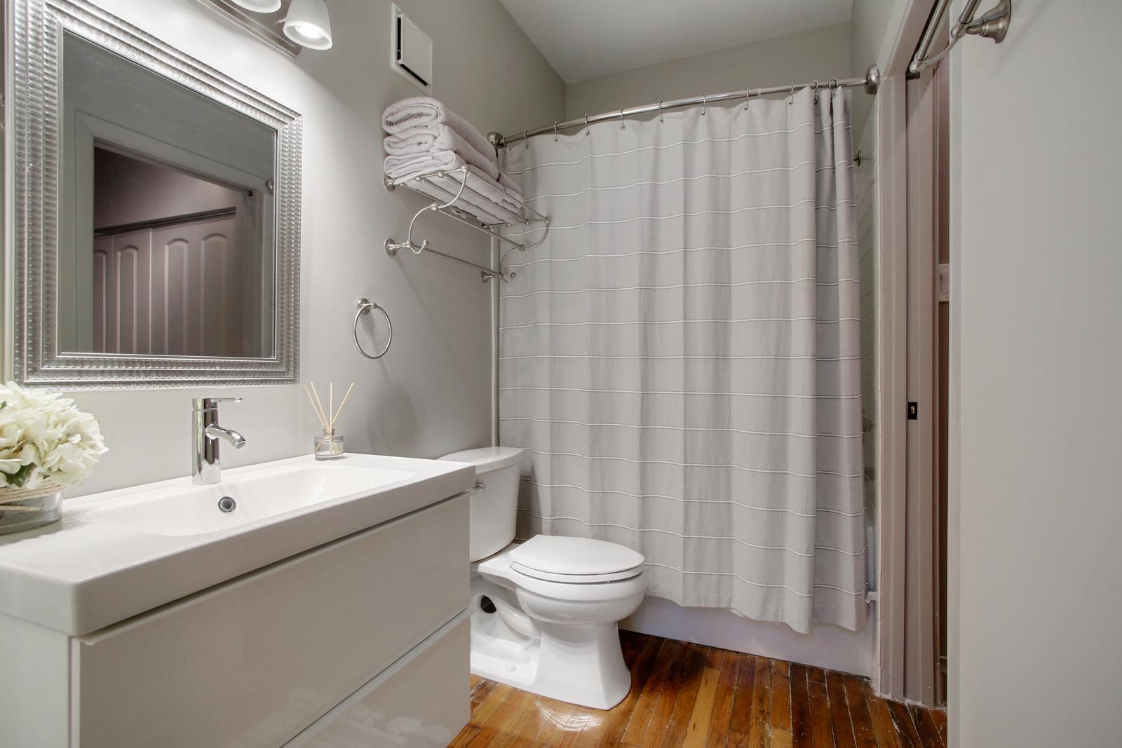CBD/Warehouse District/South Market, Condo, 1 beds, 1.0 baths, $2800 per month New Orleans Rental - devie image_9