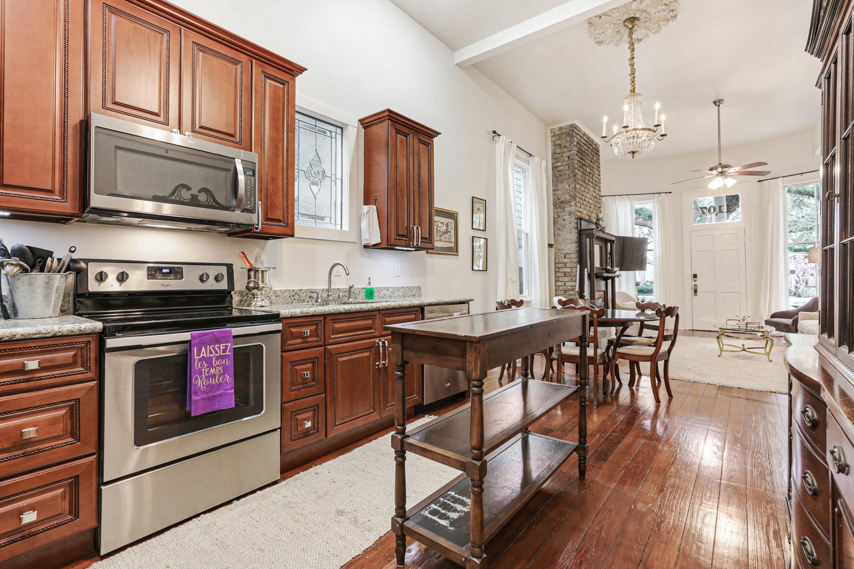 Uptown, Apartment, 3 beds, 2.0 baths, $4000 per month New Orleans Rental - devie image_10