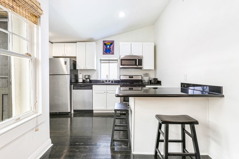 Garden District, House, 2 beds, 1.0 baths, $3000 per month New Orleans Rental - devie image_7