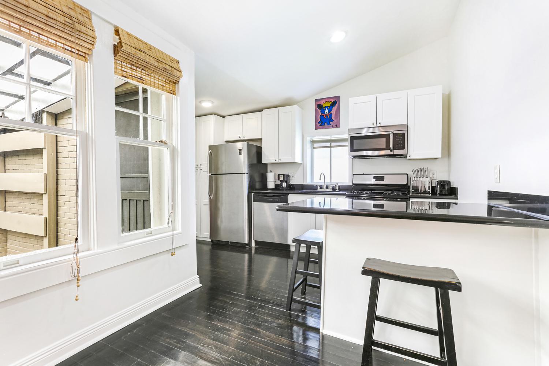 Garden District, House, 2 beds, 1.0 baths, $3200 per month New Orleans Rental - devie image_2