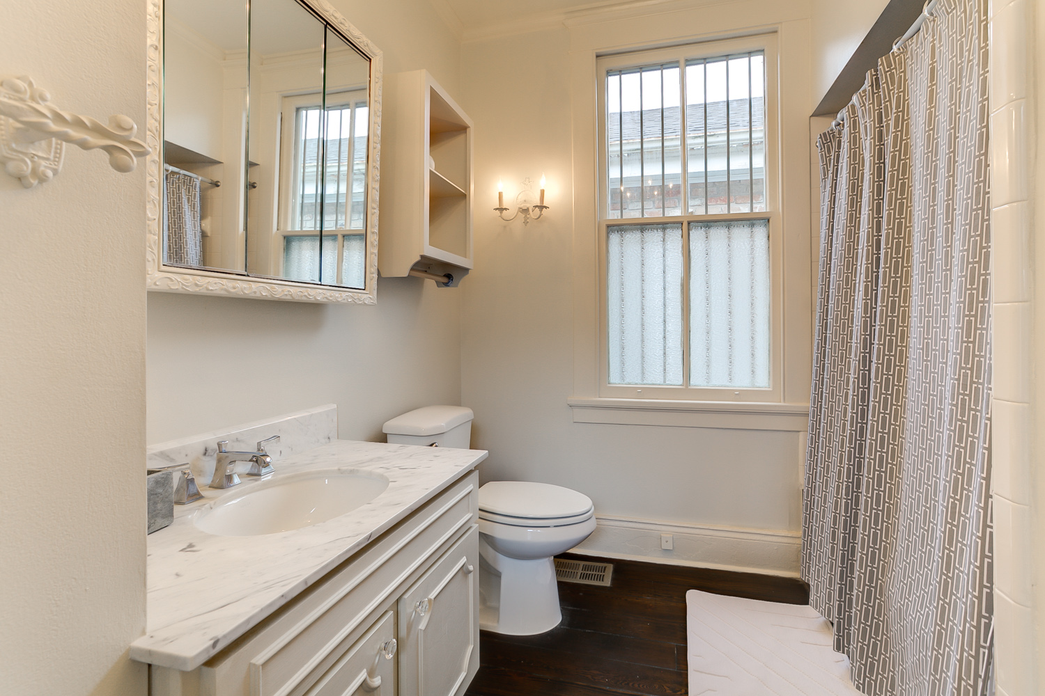 Uptown, House, 2 beds, 1.5 baths, $3300 per month New Orleans Rental - devie image_8