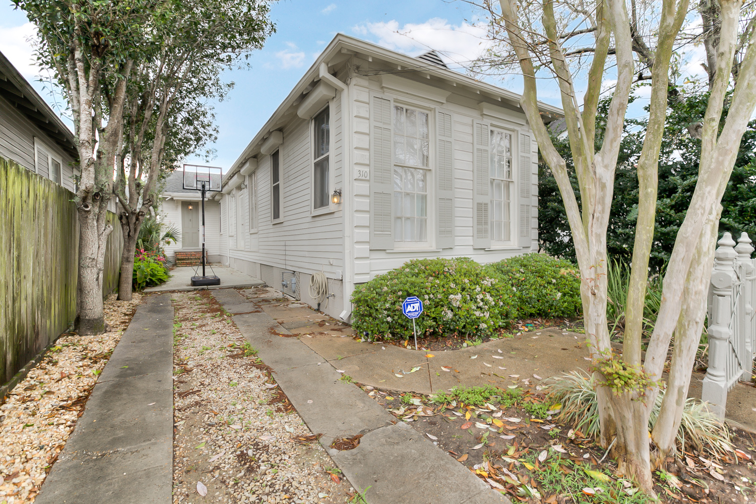 Uptown, House, 2 beds, 1.5 baths, $3300 per month New Orleans Rental - devie image_10