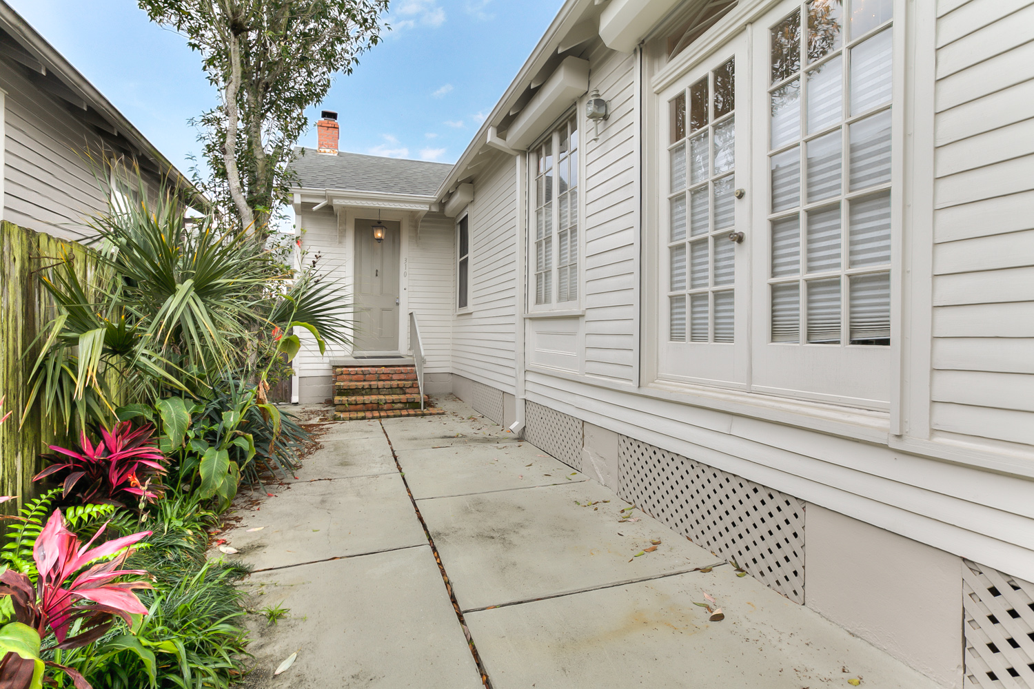 Uptown, House, 2 beds, 1.5 baths, $3300 per month New Orleans Rental - devie image_11
